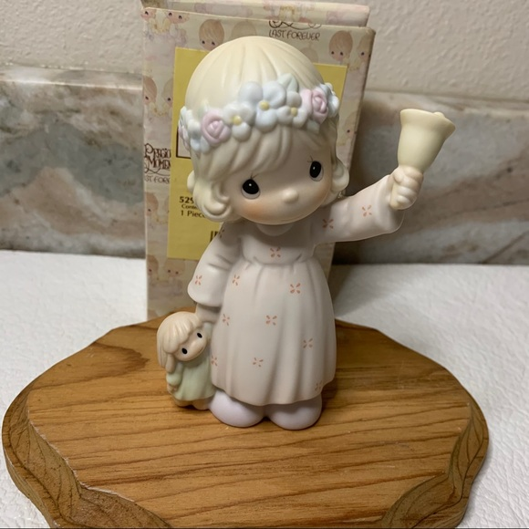 Precious moments ring out the good news figurine